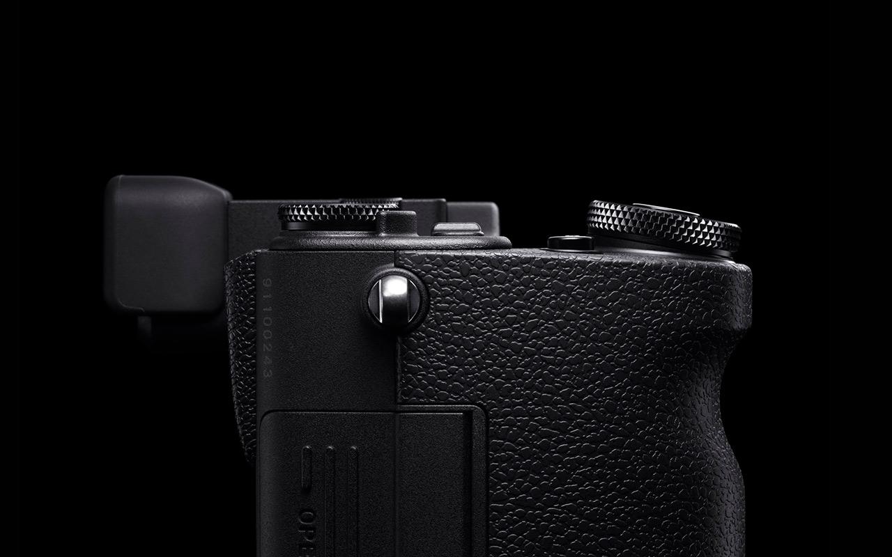 SIGMA sd Quattro Kamera Spiegellose Systemkamera Seitenansicht Produktabbildung 1280x800px